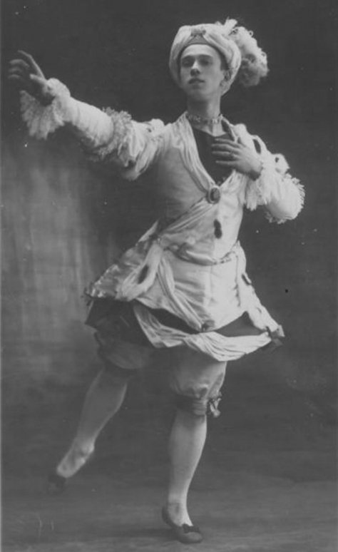 Vaslav Nijinsky in 1909